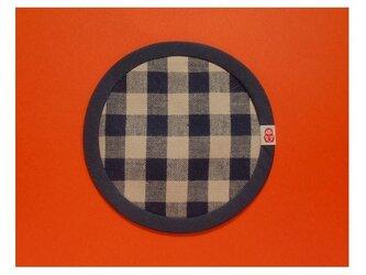 現品限り❤PURE*コースター*ハーフリネンギンガム紺・ベージュ チェック 赤いマトリョーシカの画像