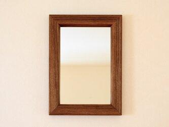 タモの壁掛け鏡の画像