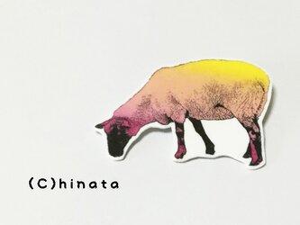 ARTな!羊のイラストブローチの画像
