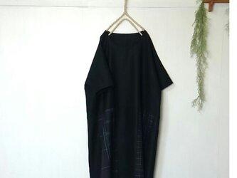 セール! ゆったり着てね 良質生地 ウール パッチワーク ワンピース ~ 黒チェックの画像