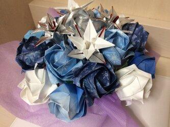 バラのアレンジメント ブルー系の画像