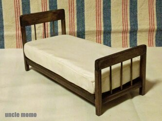 ドール用ベッド シングル(色:エボニー) 1/12ミニチュア家具の画像