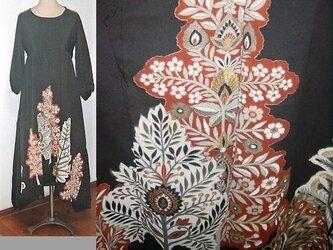 留袖リメイク♪花の咲く樹が素敵な留袖ワンピース♪裾変形♪ハンドメイド♪正絹・アンティーク着物・着物リメイクの画像
