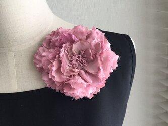 布花 芍薬のコサージュ ピンクの画像