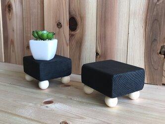小さな小さな花台ブラック2個セットの画像