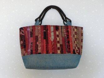着物地でストリングキルトバック(持ち手つき)絹・紬・大島・デニム パッチワークの画像
