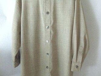 アルパカ混の羊毛のシャツ・ロング丈の画像