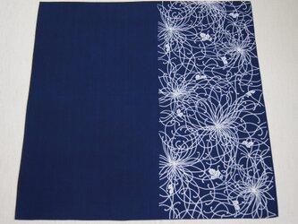 天然藍の型染め風呂敷  糸菊の画像