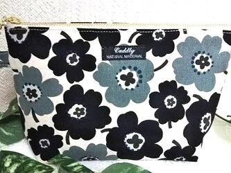 リネンの花ブラックの ポーチの画像