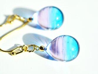 【ハンドメイドガラス】ピンクブルーピアス*イヤリングの画像