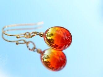 【ハンドメイドガラス】オレンジレッドピアス*イヤリングの画像