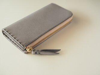 L字ファスナーの短め長財布 / グレーの画像