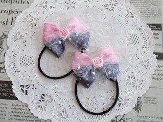 ★りぼん★ バラとピンクとグレーの水玉のダブルリボンのヘアゴムの画像