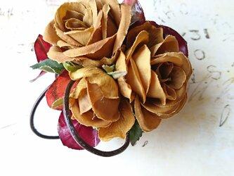 rose×leathercord corsage (マスタードカラー)の画像