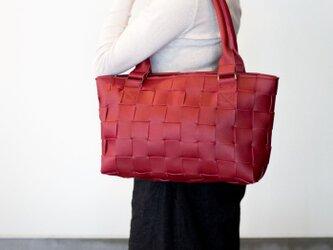 編みレザートートバッグS (牛革) 赤の画像