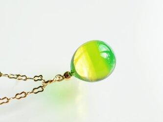 【ハンドメイドガラス】グリーンネックレスの画像