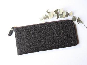 ピッグスキンのスリムな長財布 L字型 フラワー ブラックの画像