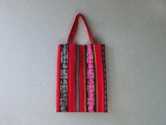 ボリビアウールの手織り布のエコバック 赤 南米の画像