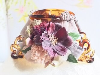 **irodoru**花恋。。**アンティークナチュラルなお花達のバンスクリップ**の画像