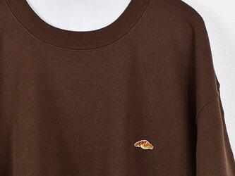 クルーネックスウェット【ブラウン】;クロワッサン刺繍付きの画像