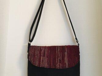 メッセンジャ-バッグ(中)ワインレッドの裂き織りの画像