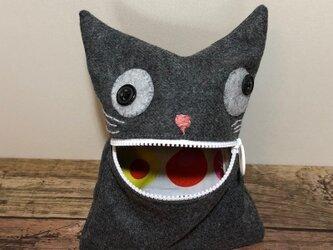 ウールで猫ポーチの画像