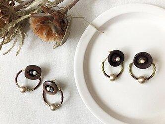 ring ring button - waguri:ボタンとリングのピアス(和栗)の画像