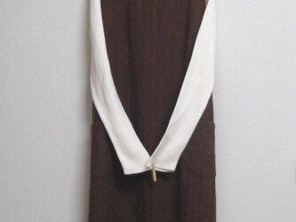リネンウールのジャンパースカート 茶色の画像