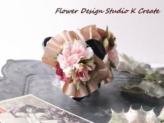 フリルリボンとピンクの薔薇のバンスクリップ の画像