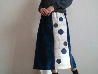 ベロア調ブルーロングスカートあめ玉モノトーンウエストゴムの画像