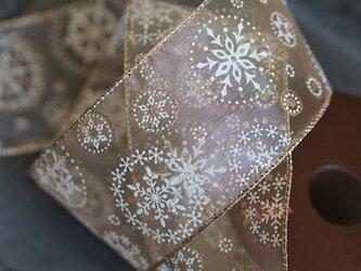 【¥500/2m】結晶柄ライトブラウン×ゴールド・太幅オーガンジーリボン ワイヤー入り 63mm幅 クリスマス Xmasの画像