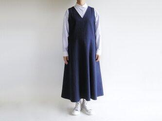 国産コットン*ゆったりシルエットのフレア・ジャンパースカート(オックスフォード生地・ネイビー)の画像