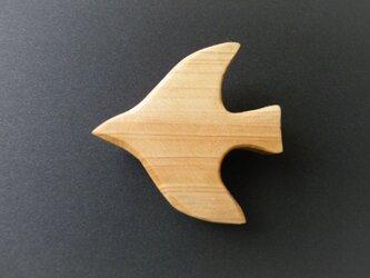 k 木彫りブローチ 鳥の画像