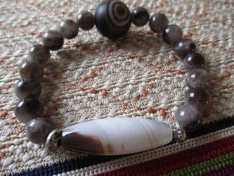 天然黒水晶/モリオン 水紋柄天然白瑪瑙 チベット産天眼石 チベタンメタルパーツブレスレットの画像