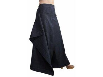 ジョムトン手織り綿の前掛け付きモン風ワイドパンツ 墨黒 (PFS-047-01)の画像