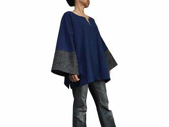 ジョムトン手織り綿モンバティック付きプルオーバー インディゴ (BFS-152-03)の画像