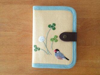 桜文鳥 手刺繍マルチケースの画像