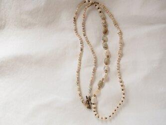送料無料 アフリカンオパール×リバーストーンのロングネックレスの画像