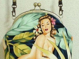 南国美女柄のがま口ポシェットの画像