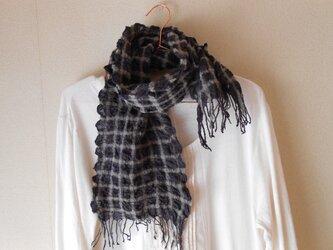 もこもこミニマフラー 手紡ぎ手織り シルク・ラムウール 黒の画像