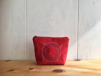 【受注】刺繍入り赤色のポーチの画像