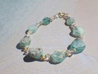 Sea form Romanglass ローマングラスとオパールのブレスレットの画像
