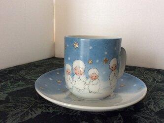 スノーフラックチルドレンのマグカップとケーキ皿の画像