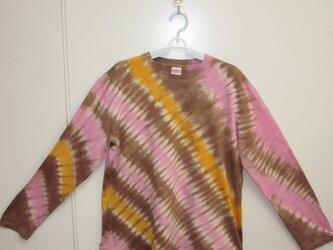 タイダイ染め ピンクとブラウンとオレンジの長袖Tシャツ⑦の画像