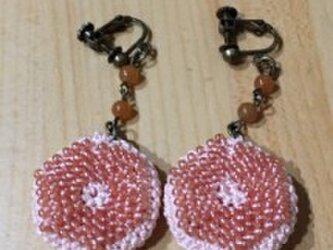 ビーズ編みのイヤリング①の画像