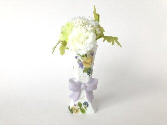 お花と木の実♡リボンの一輪挿しの画像