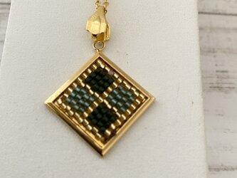 ★ビーズ織り★ネックレストップ 金×緑♪の画像