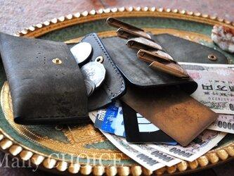 イタリアンレザー・革新のプエブロ・2つ折りコインキャッチャー財布(改)(グリージオ)の画像
