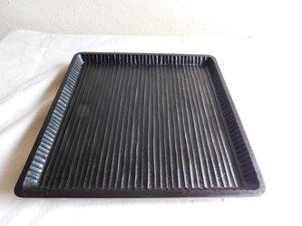 朴(ホオ)黒色拭漆仕上げの盆 (トレー・皿)の画像