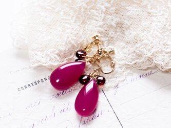 【1月誕生石】【ガーネット】ThreePetal3ペタルイヤリングPinkラズベリーピンクの画像